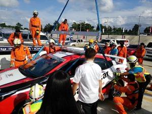 写真2:マーシャルカーによる吊り上げ訓練