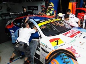写真3:実車救出訓練