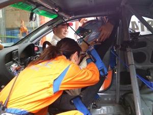 写真1:実車救出訓練